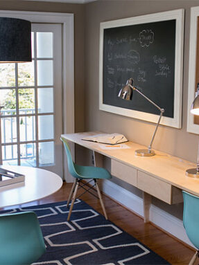 17-traditional-desk-work-room